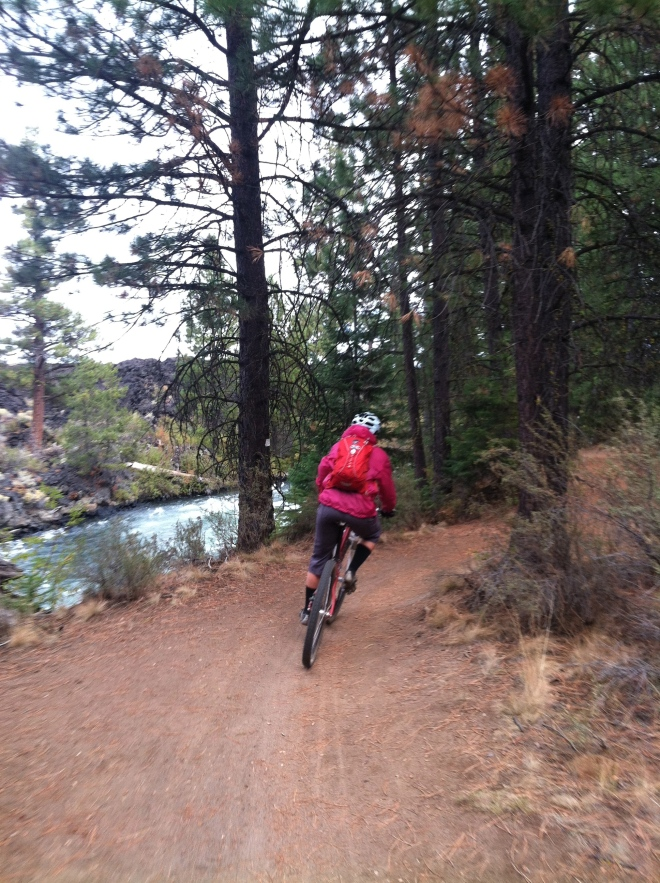 Amelia ripping through a turn on the Deschutes.
